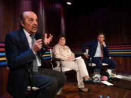 Julio Bárbaro presentó su libro en Margen del Mundo
